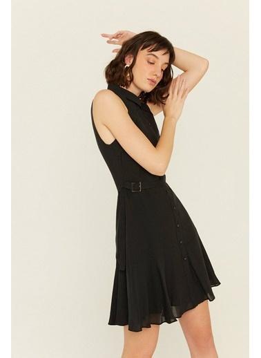 Rue Volan Detaylı Kemerli Keten Elbise Siyah